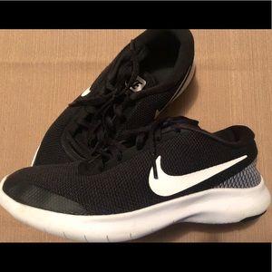 Gently Worn Nike Flex Experience Rn 7,  Size 6.5
